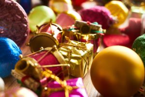 How to pack holiday ornaments with Meehan Family Moving